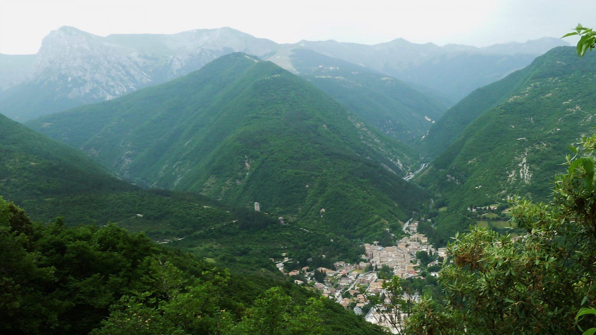 Sentiero Italia CAI nelle Marche: lo stato dei lavori in una terra ancora ferita