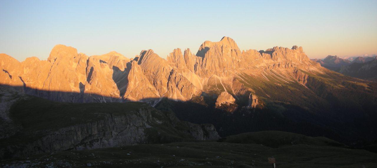 Il Sentiero Italia CAI in Alto Adige insegue il sole sul monte Pez