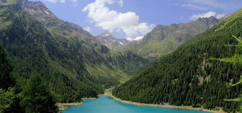Sentiero Italia CAI: si cammina lungo le prime due tappe del Trentino