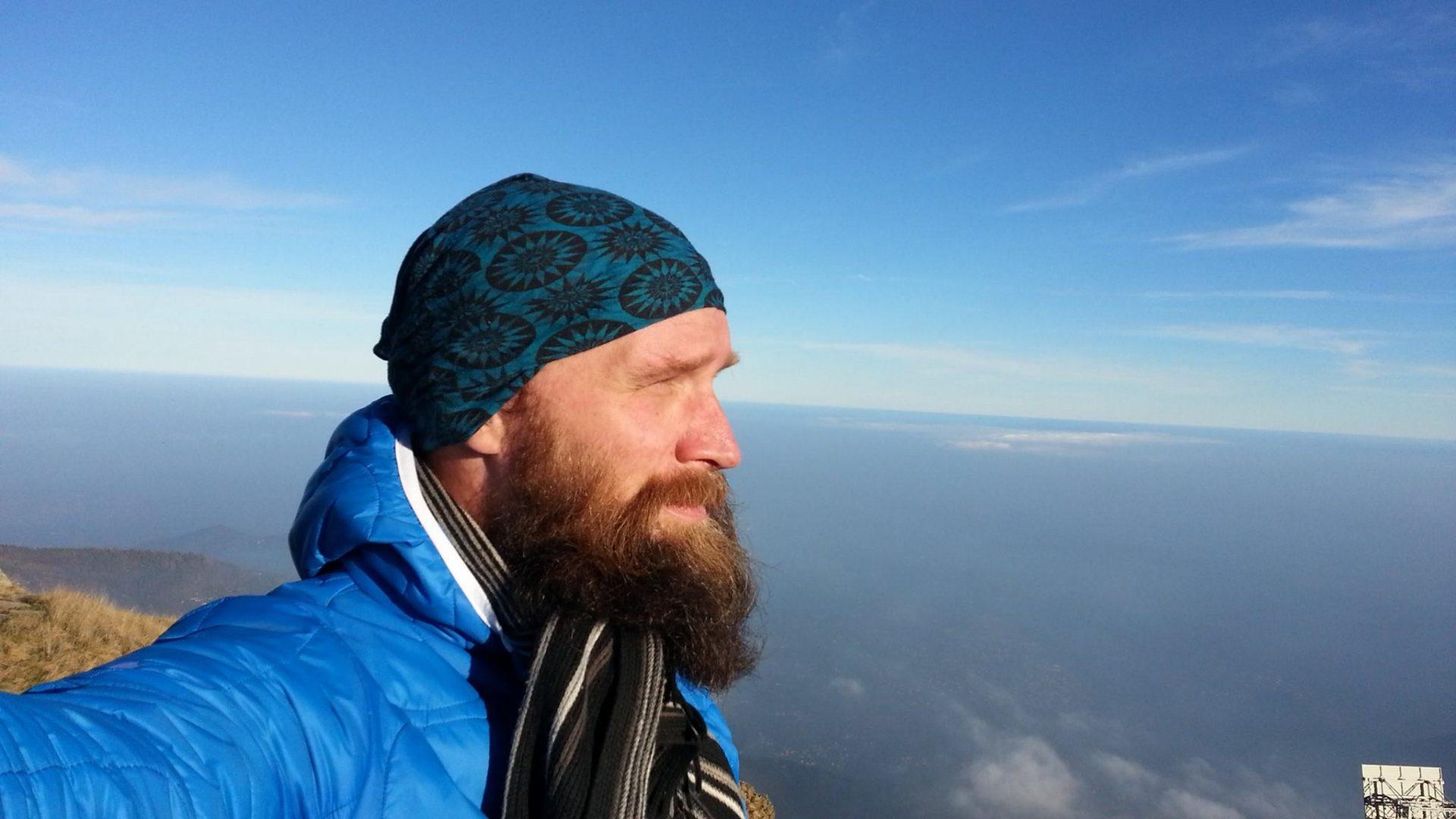 La scelta di Johannes: fare a piedi il mondo