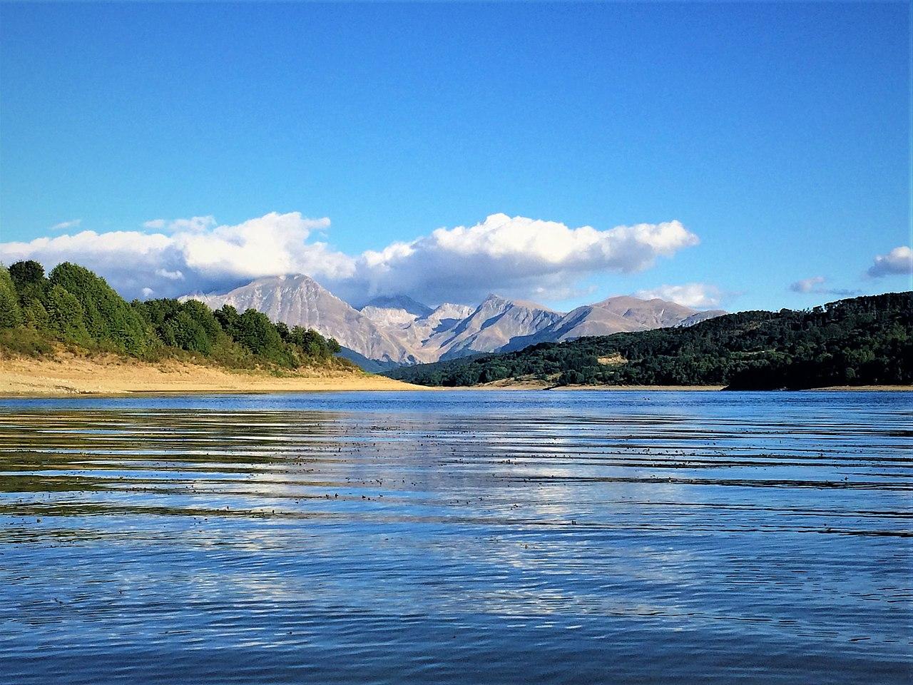 Campotosto_lake Di Lasacrasillaba