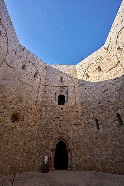 Castel del Monte in Puglia, Sentiero Italia CAI, Meraviglie d'Italia
