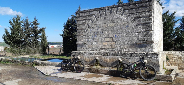 Al lavoro sui sentieri in Puglia, tra gravine e fontane monumentali