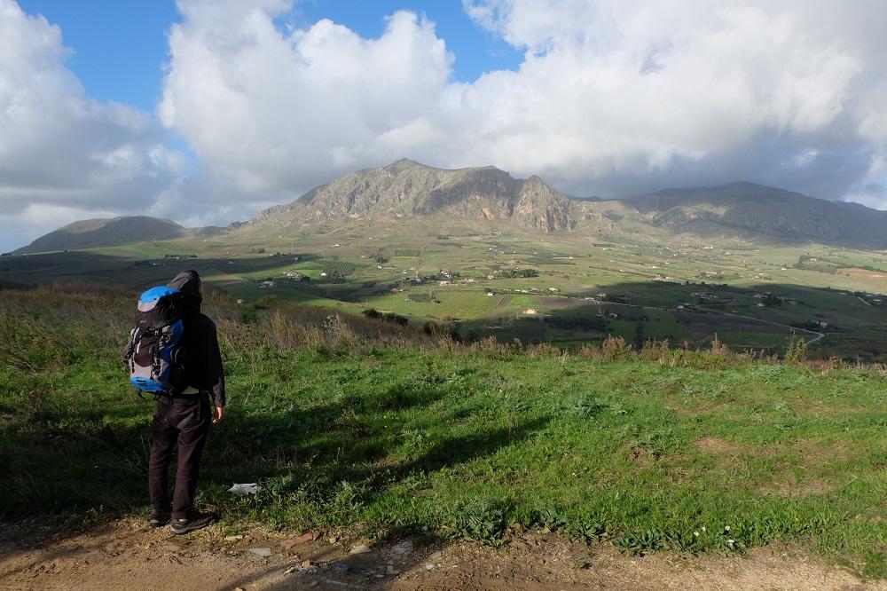 Natale sul Sentiero Italia CAI, le escursioni in Sicilia di quattro milanesi