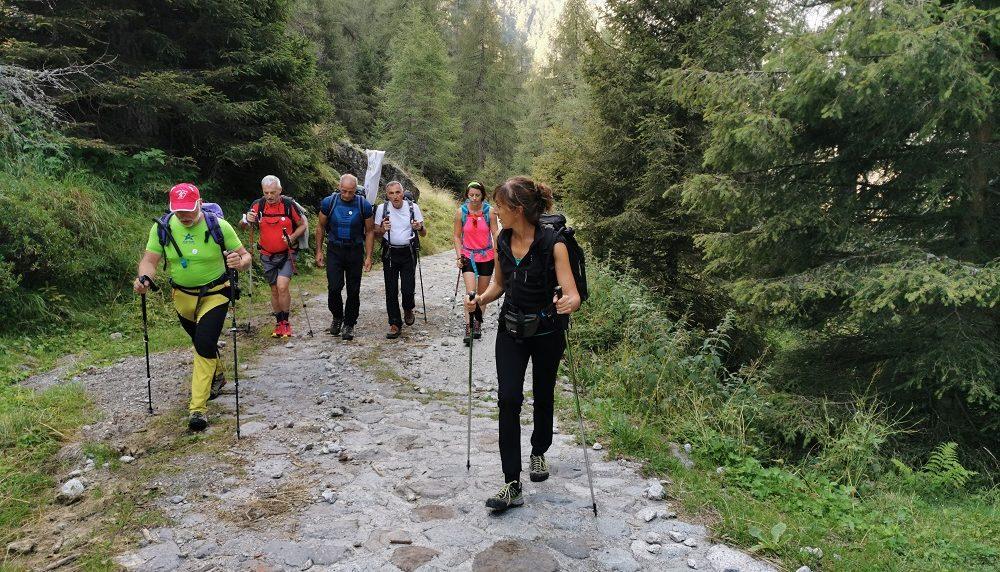Escursioni tra le righe, tante riflessioni percorrendo la Lombardia a piedi