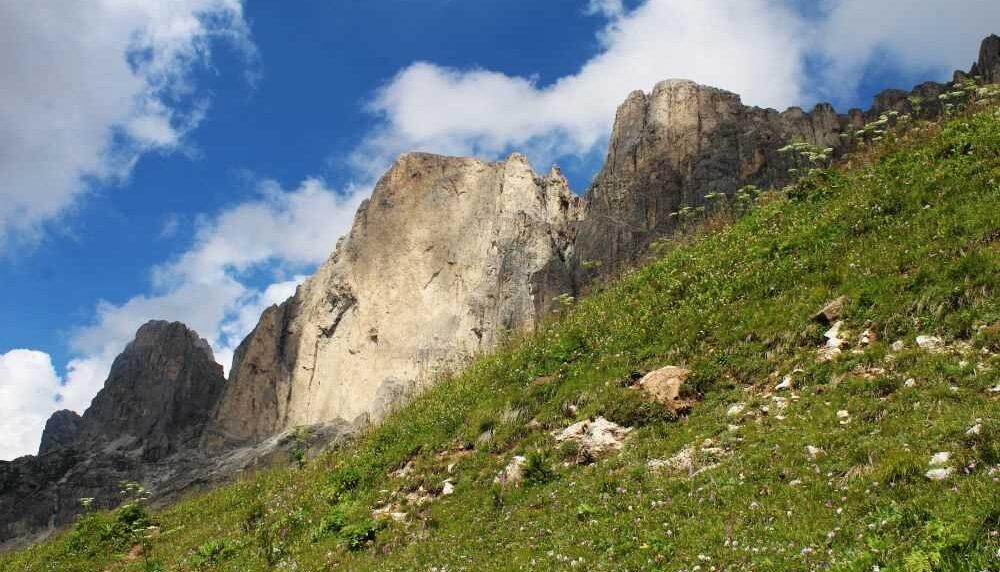 Guide sul Sentiero italia Cai: lo stupore e l'incanto del Latemar e Catinaccio