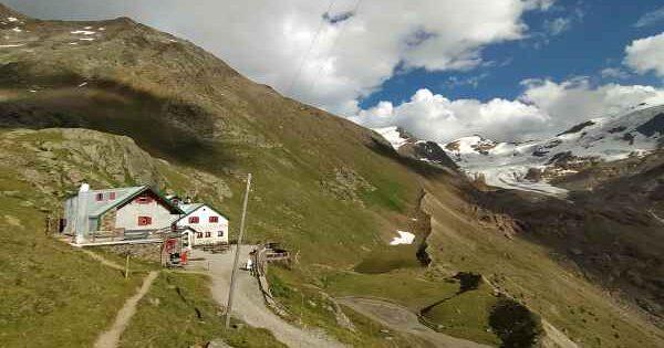 Guide sul Sentiero Italia Cai,  i rifugi Campo e Cesare Branca in Valfurva e in Valtellina