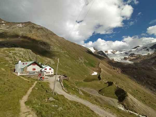 Autori sul Sentiero Italia Cai,  i rifugi Campo e Cesare Branca in Valfurva e in Valtellina