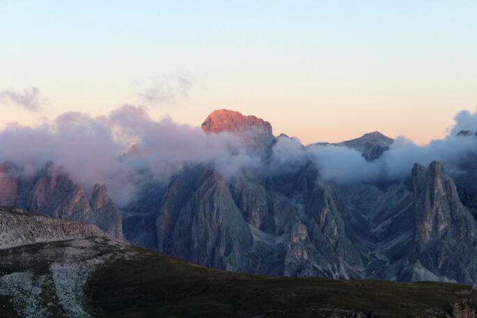 Enrosadira sul Catinaccio. Vista dal Monte Pez, sullo Sciliar (foto Denis Perilli)