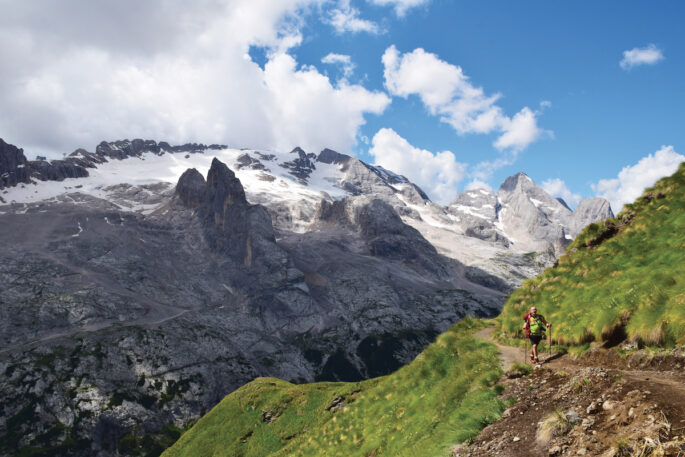 La maestosità della Marmolada dai pressi del Passo Padon (foto Lorenzo Comunian)
